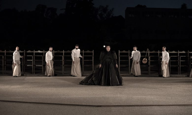 Photo of Οι «Πέρσες» του Αισχύλου σε σκηνοθεσία Δημήτρη Λιγνάδη